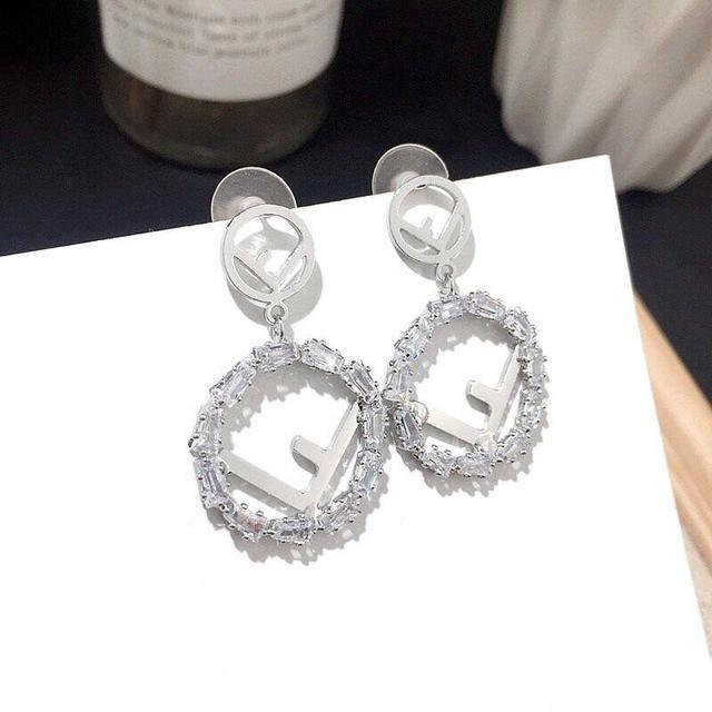 各大品牌飾品耳環,項鏈最新款式