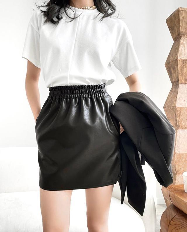 韓妞必備皮質短裙
