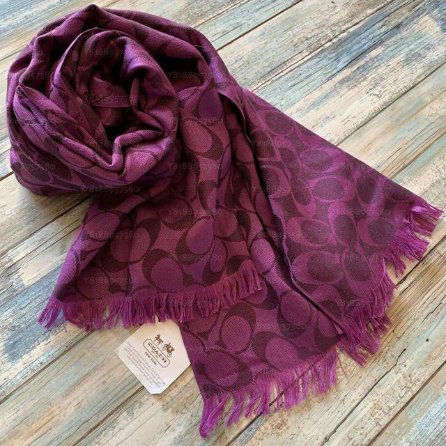 全新真品 Coach 97528 紫色大C針織披肩圍巾