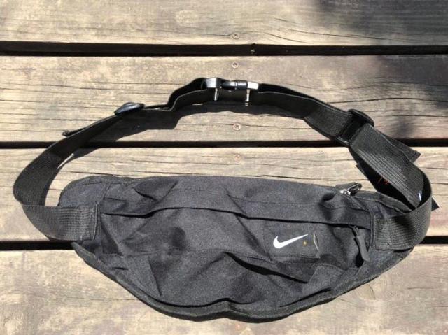 Nike耐克小腰包男女多功能旅行包跑步运动单肩斜挎包骑行胸包超级火的nike耐克单肩