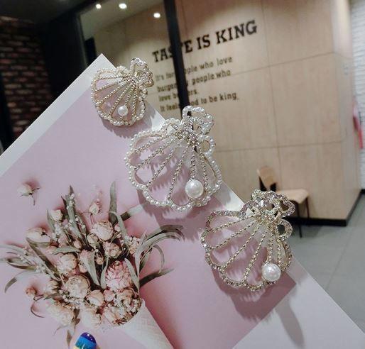(預購e) 韓國度假風 鑲鑽珍珠貝殼夾