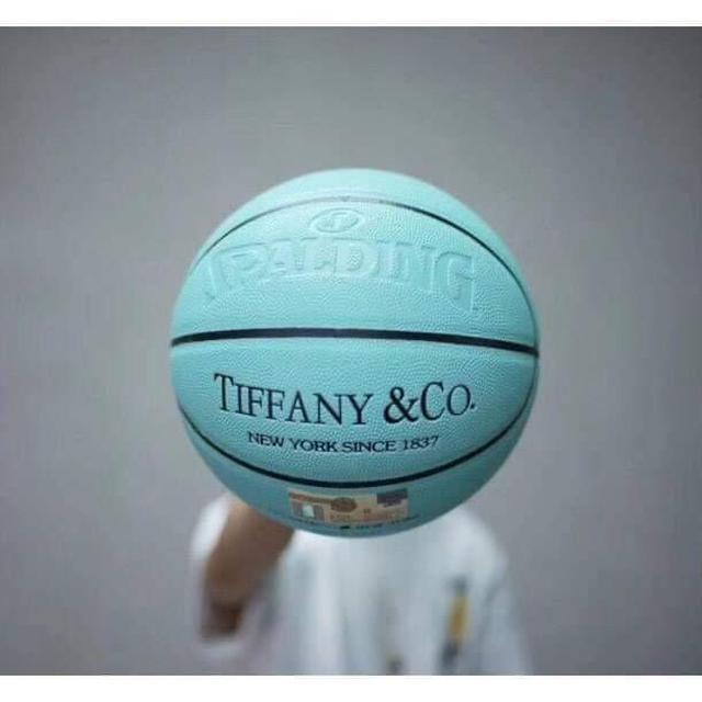 TFN限量版籃球