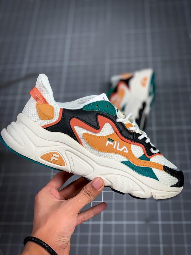 斐樂Fila Retro Running 火星系列老爹鞋