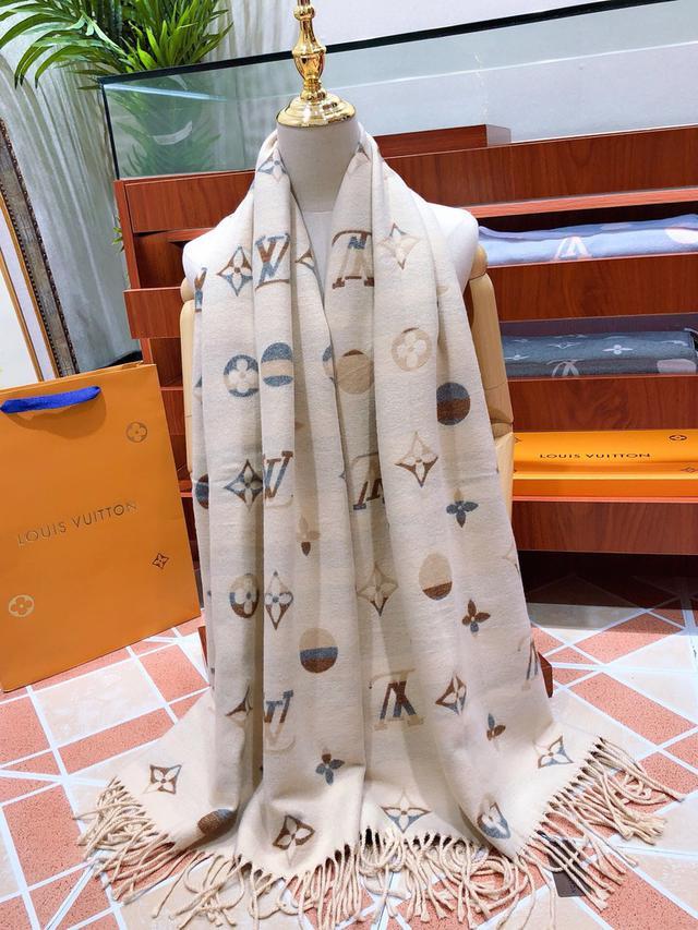Louis Vuitton(路易威登)雙面雙色帶來嬰兒肌膚般的觸感2020年度最新爆款絲巾圍巾