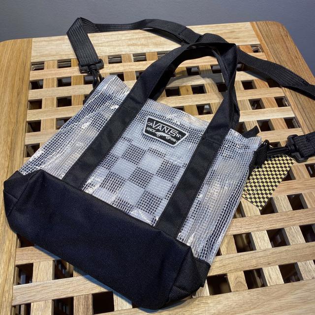 台湾代购 VANS 男女款白色半透明格纹单肩小水饺包手提包