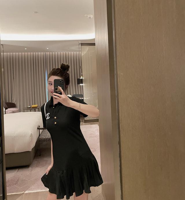 小香Polo连衣裙