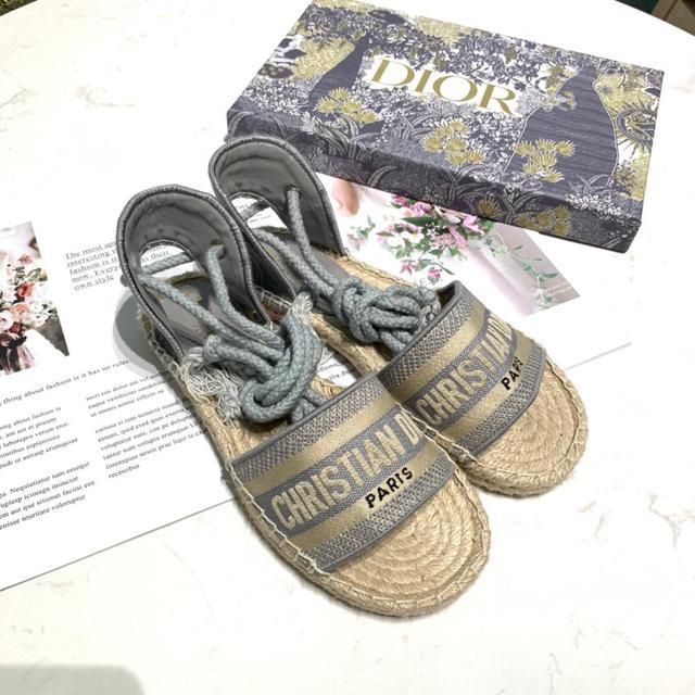 Dior刺绣渔夫鞋