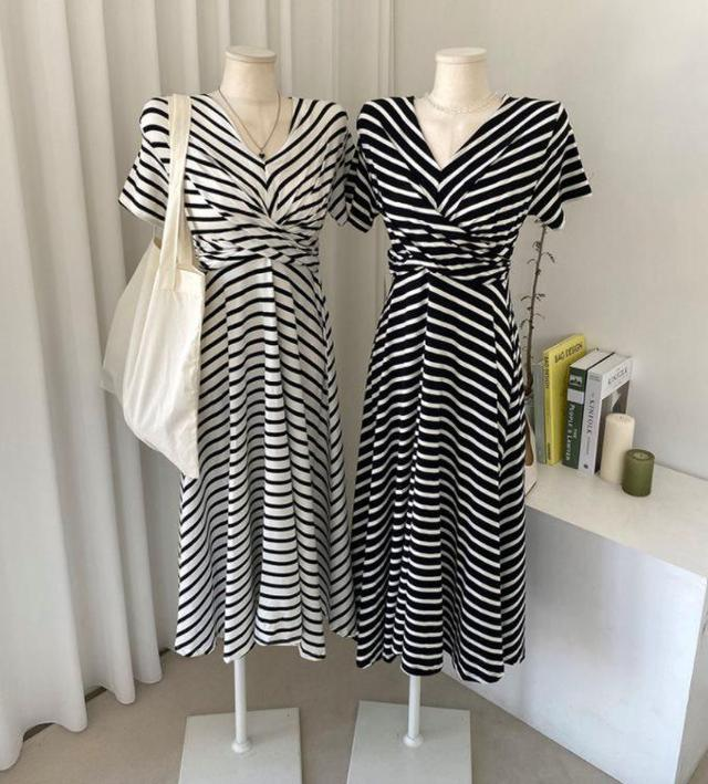 『預購🇰🇷正韓』時尚顯瘦V領洋裝