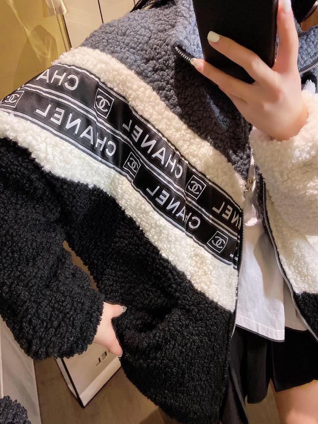 Chane*小香羊羔毛外套