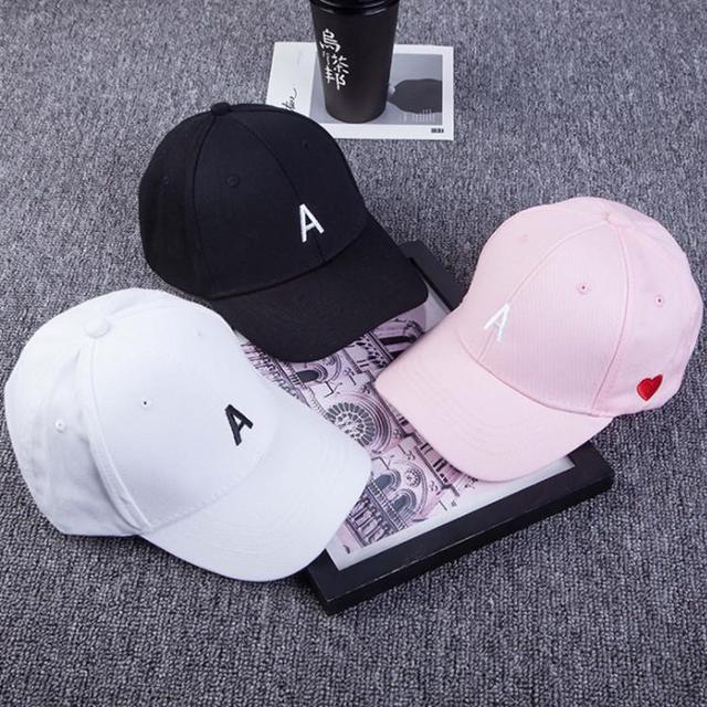 韓版 側面刺繡愛心字母A棒球帽 男女通用 情侶帽 棒球帽