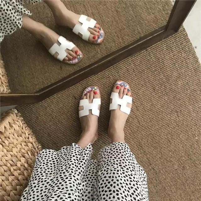 S046-H款時尚平底拖鞋