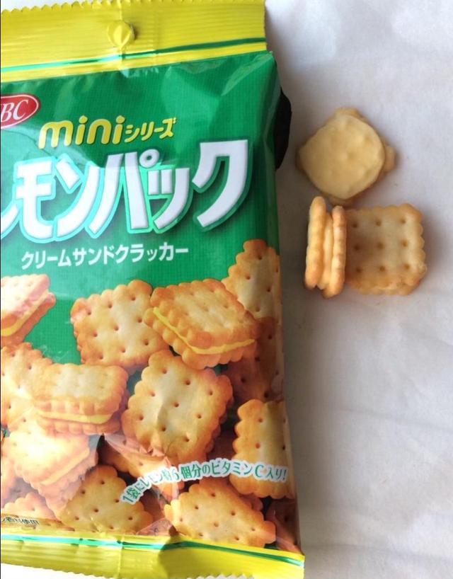 日本🇯🇵 YBC 迷你檸檬夾心方塊 10袋組