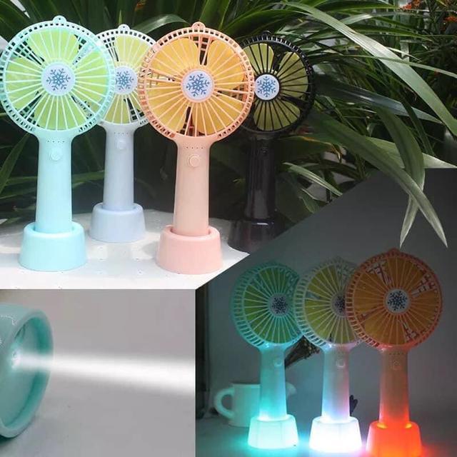 預購    ⚠️5/10結單 貨到通知 ✨超涼4葉充電風扇