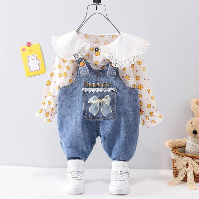 『秋冬-預購』花朵娃娃領襯衫+蝴蝶結牛仔吊帶褲套裝