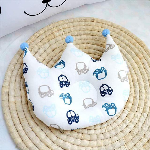 【預購】皇冠造型防扁頭寶寶枕