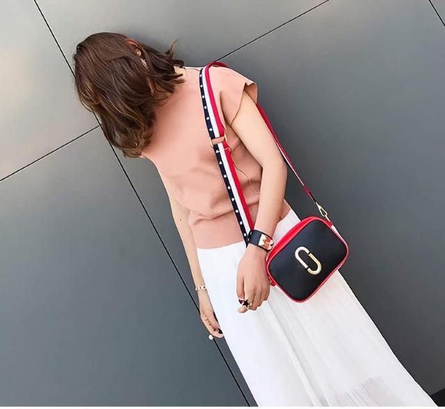 (預購S+)韓版時尚寬肩帶拼色相機包