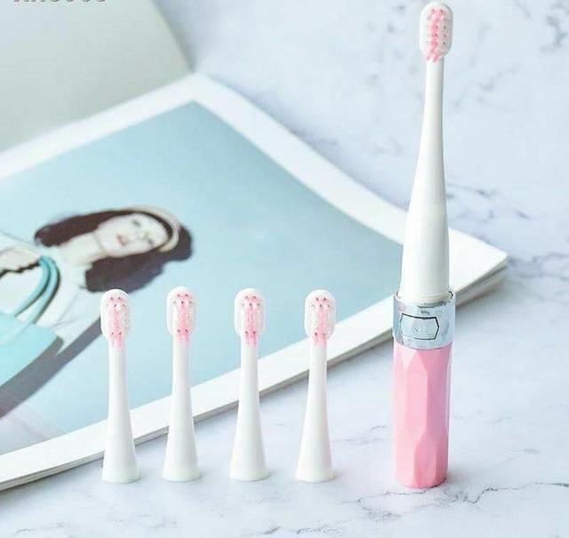 日本 口力米大 電動牙刷
