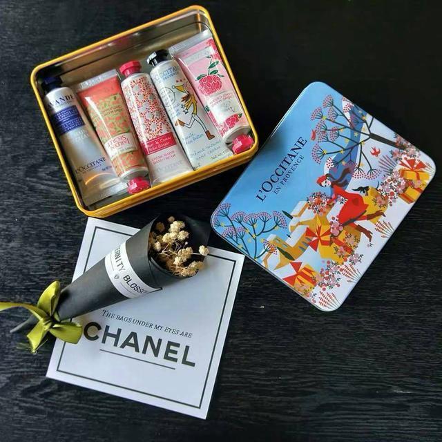 【N.T.F-現貨款】歐舒丹聖誕節護手霜五件組鐵盒裝
