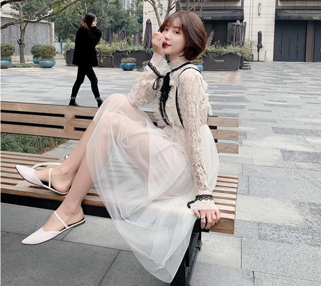 $390 (現貨) 韓版時尚蕾絲鏤空連衣裙 兩件套 (2色)
