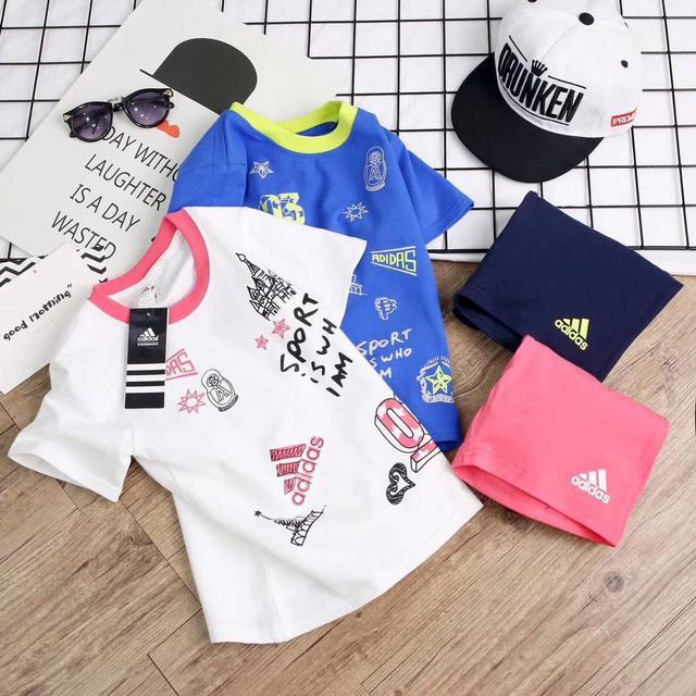 精品Adidas童裝套裝超高CP值.超低價格