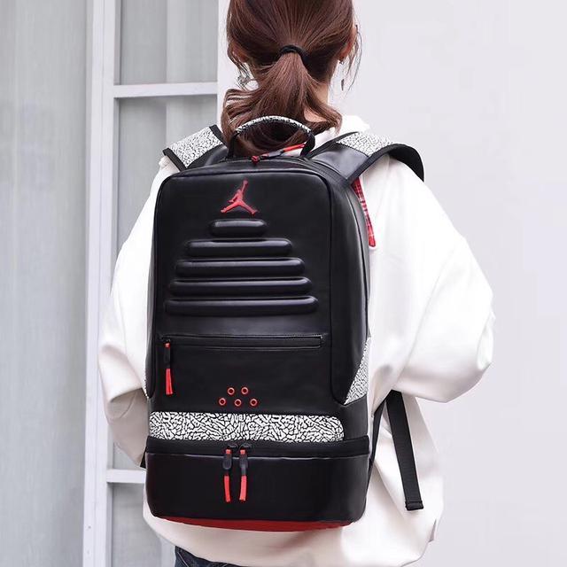 AJ飞人乔丹双肩包男女学生书包旅行户外运动篮球包大容量电脑背包