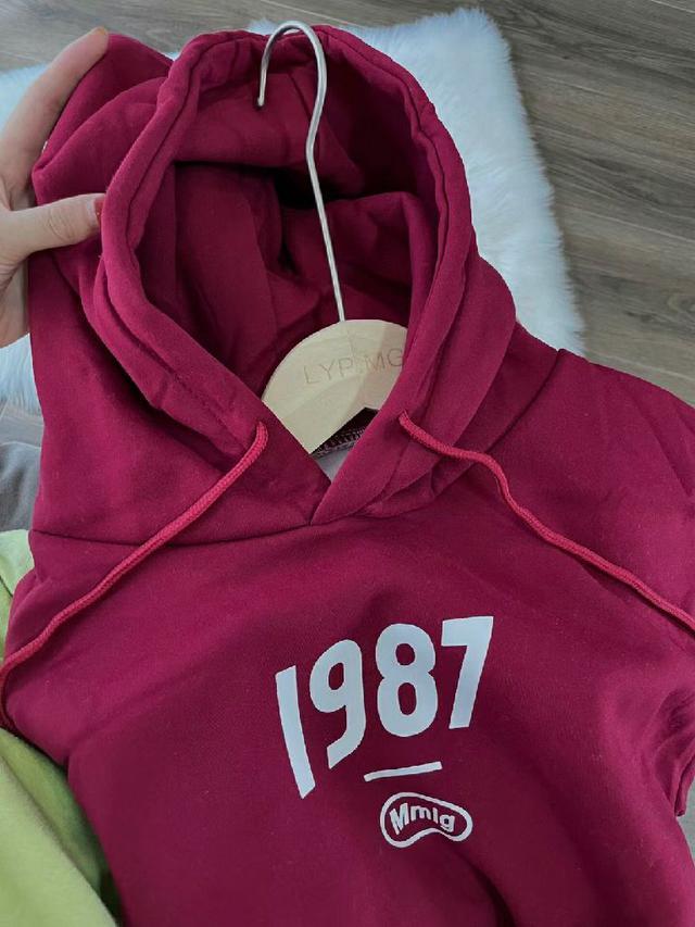 1987酒紅色加絨連帽T