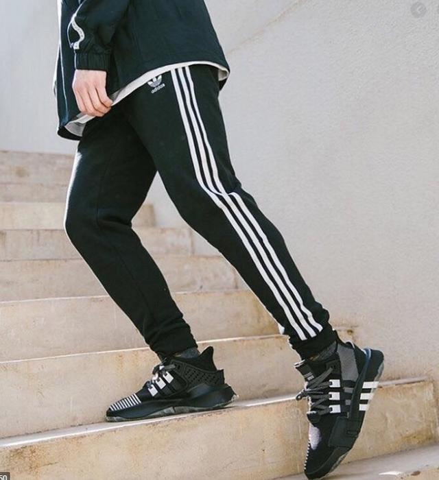 台灣專櫃定價2490 Adidas Originals 三葉草 縮口褲 黑 EC4710