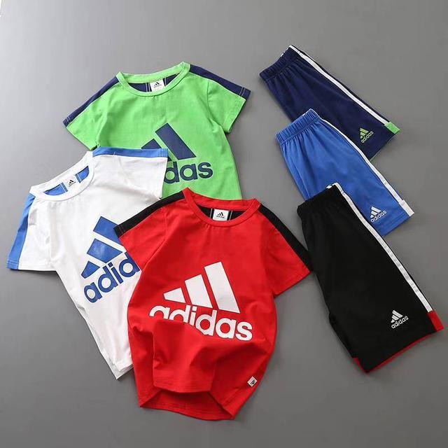 精品Adidas童裝套裝超高CP值。超低價格