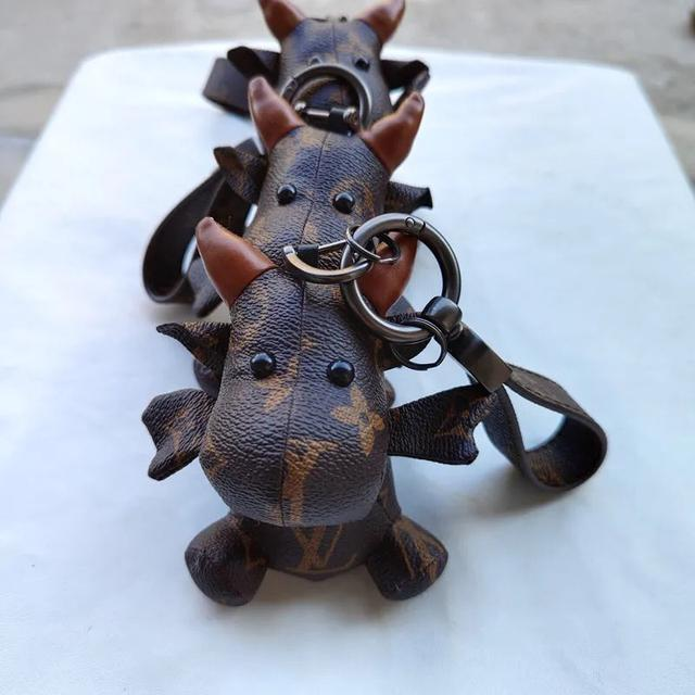 法國鬥牛犬掛件老花汽車鑰匙扣皮革小牛掛飾包包配件牛年吉祥物