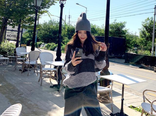 正韓-黑灰條紋羊毛衣