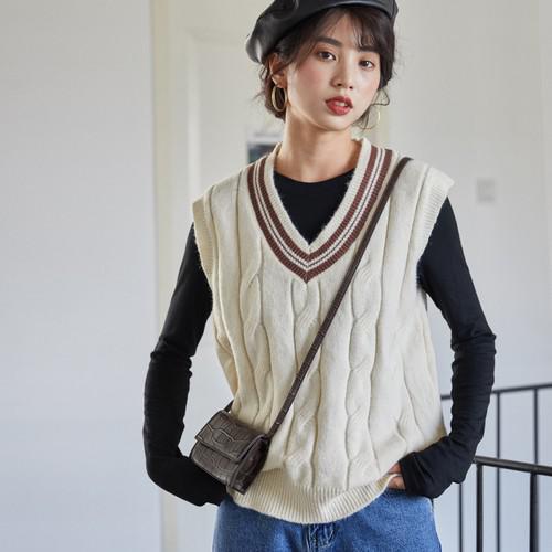 11 時尚學院風無袖V領毛衣(2色)
