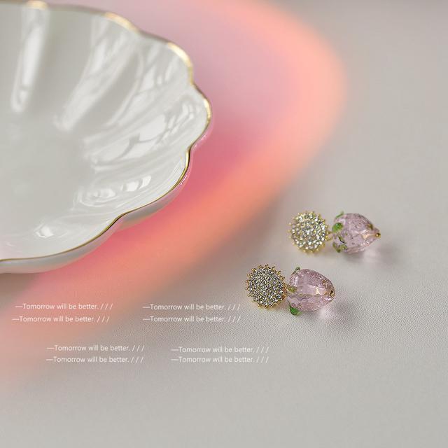 「蜜桃草莓」日系少女925銀針玻璃甜美氣質優雅百搭草莓耳環 耳飾