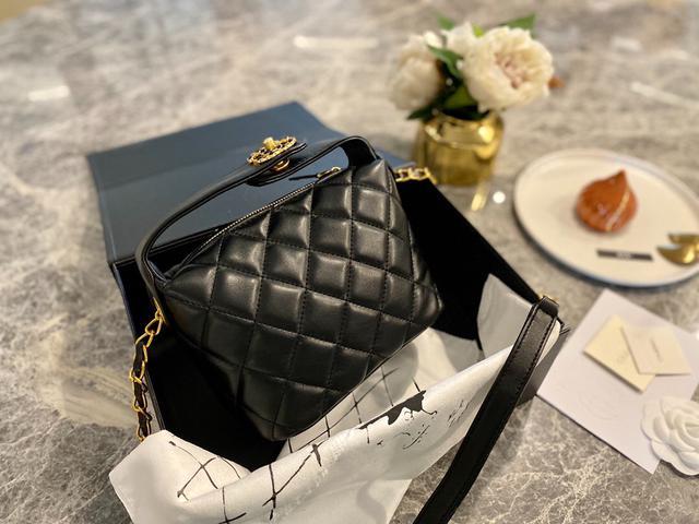 密封禮盒包裝 Chanel/香兒奈 便當包 Hobo包 20ss早春櫃新款單肩斜挎包