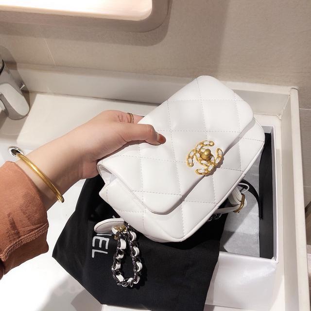 專櫃品質  香奈兒 網紅爆款 羊皮中古腰包/胸包 Woc包
