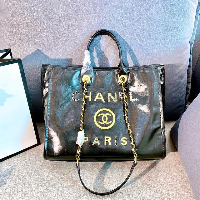 Chanel年度最美超仙購物袋 全新五金Logo 2020年香奈兒沙灘包