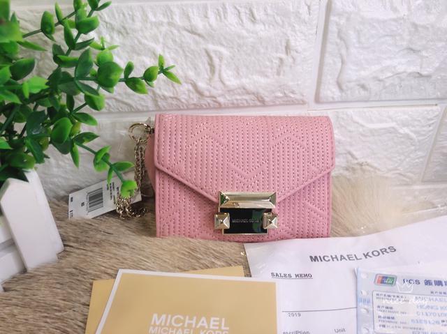 [現貨]Michael Kors 粉色皮革 翻蓋短夾 零錢包