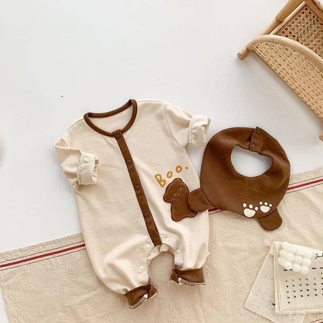 🔹男女寶寶 小熊圍兜 包屁衣服 嬰兒連身衣