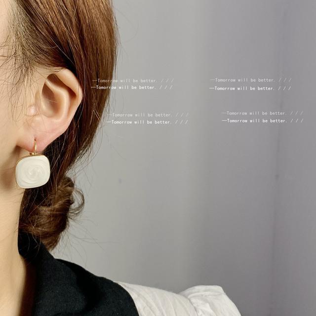 溫柔風方形滴油耳環女日韓小眾設計感簡約法式耳釘耳飾款耳扣