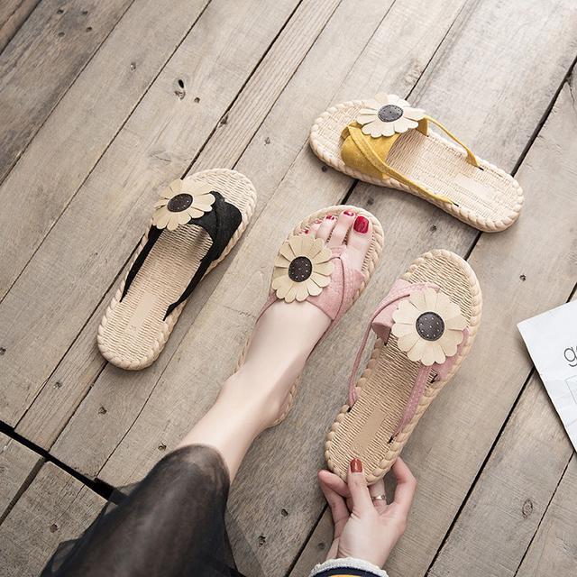 預購-韓版半平底防滑花朵夹趾網红凉拖鞋 (卡)