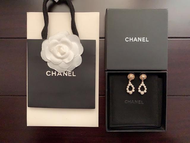 Chanel   最新款🆕🆕珍珠耳钉   一致zp材质