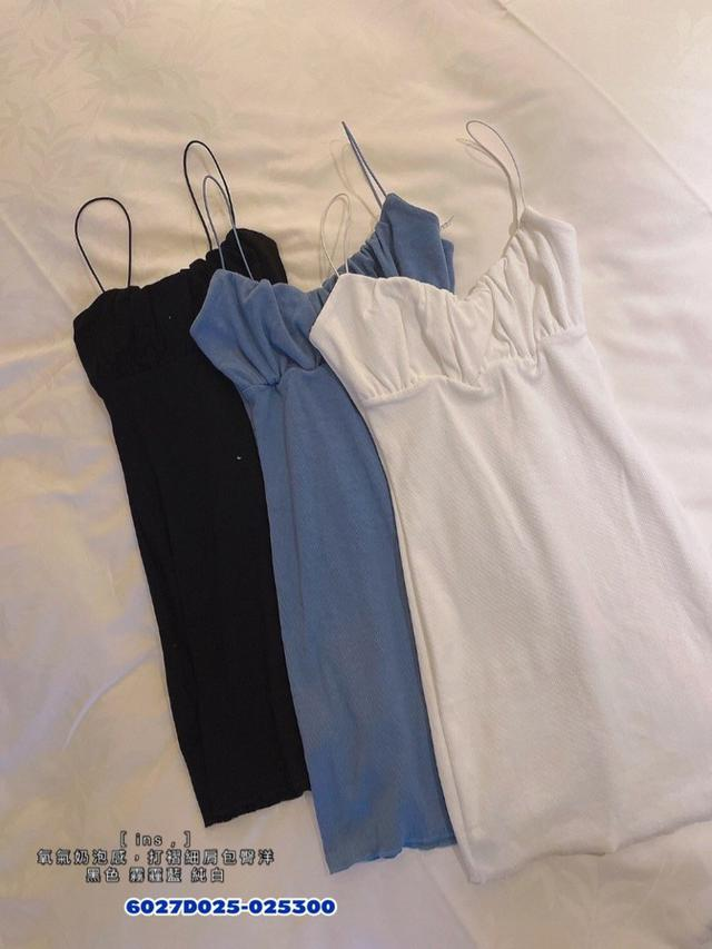 正韓女裝 氧氣奶泡感 打摺細肩包臀洋裝