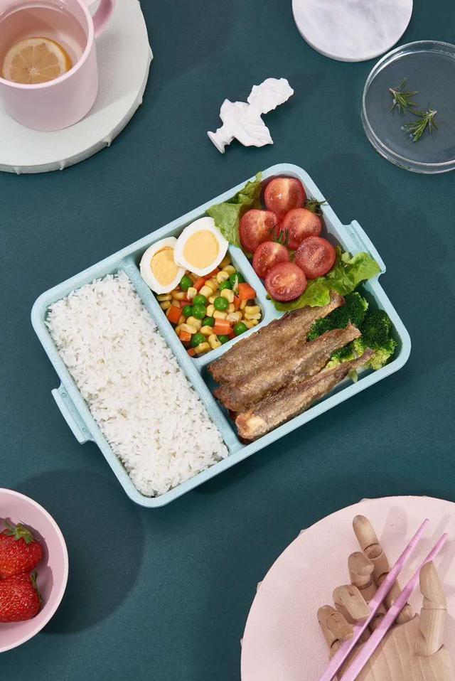 學生保鮮盒 小麥秸稈飯盒 可微波分隔飯盒  帶蓋簡約食堂密封餐盤 學生長方形
