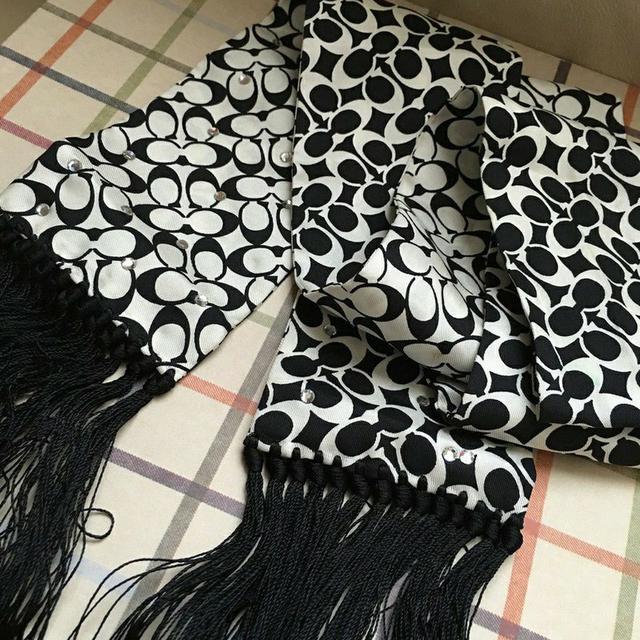 全新真品 Coach 黑色小C水鑽流蘇絲巾