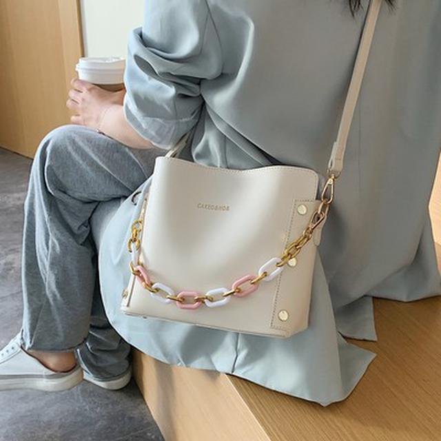 預購🦊簡约質感單肩流行新款潮時尚女士斜挎包手提水桶包