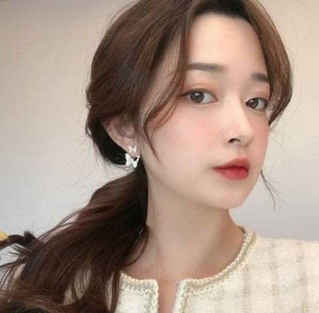 (預購S) H098 - 韓國氣質超仙鑲鑽蝴蝶後掛式耳環
