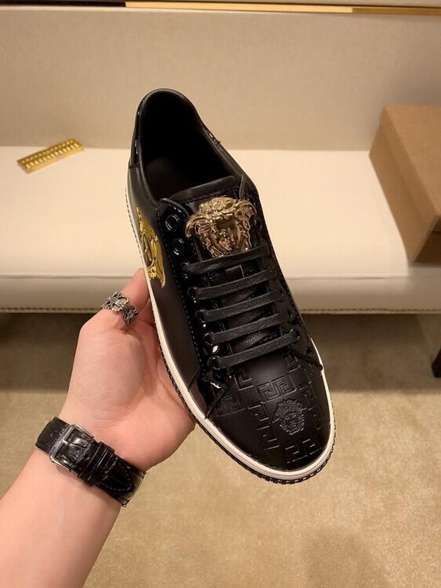 【范*思*哲】独家新款休闲男鞋, 时尚潮男必备,香港。专柜新品出炉