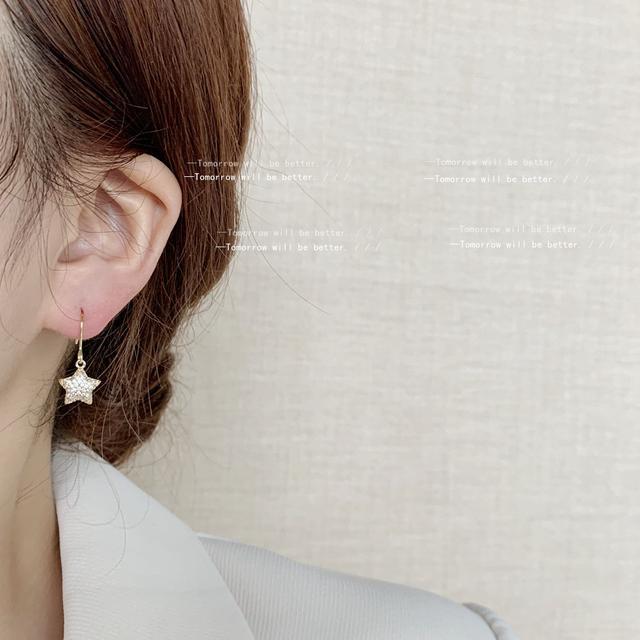 微鑲鋯石迷你版鍍14K簡約星星耳環女閃爍卟啉卟啉耳飾日韓IG