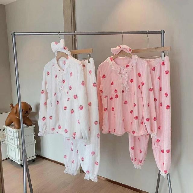 草莓睡衣三件套
