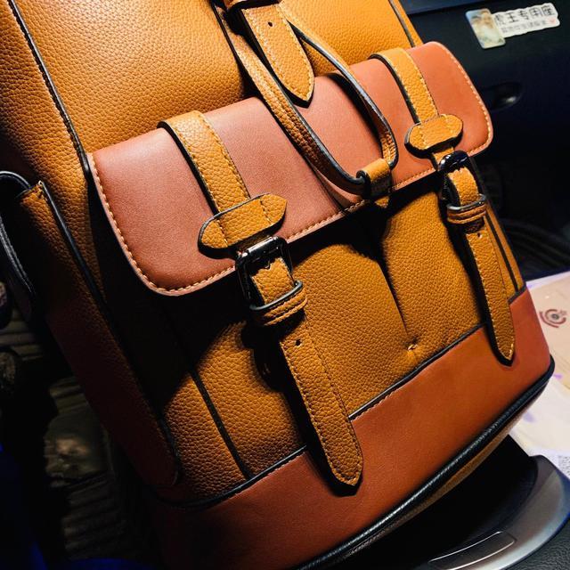 蔻驰Coach2020最新款焦糖拼色双肩背包