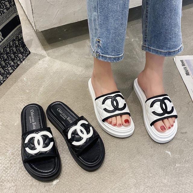 涼拖鞋女外穿網紅百搭夏天鞋 2020年新款夏季超火時尚小香風ins潮